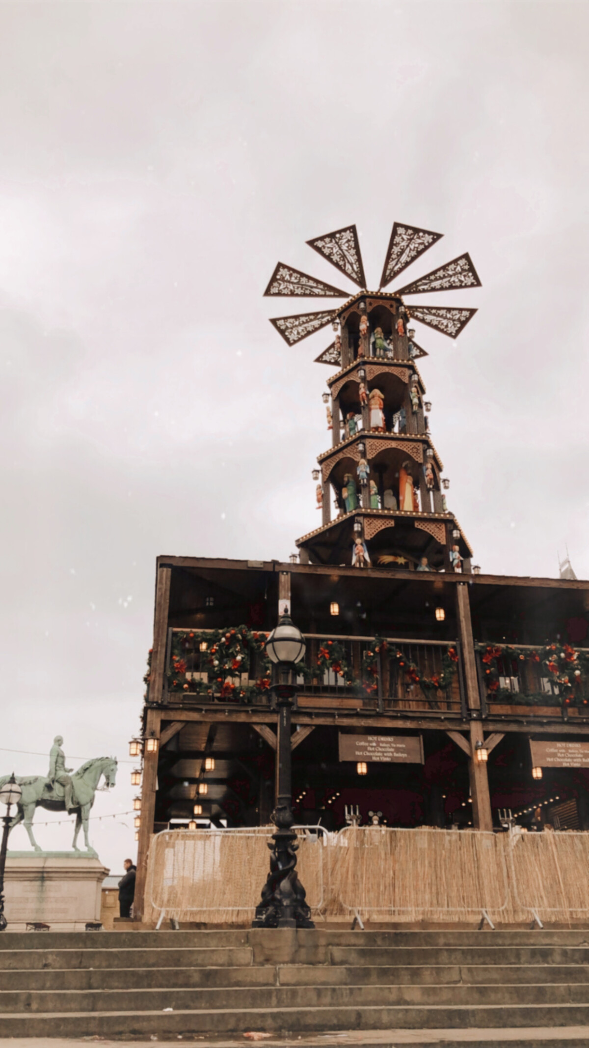 Liverpool christmas market - windmill bar