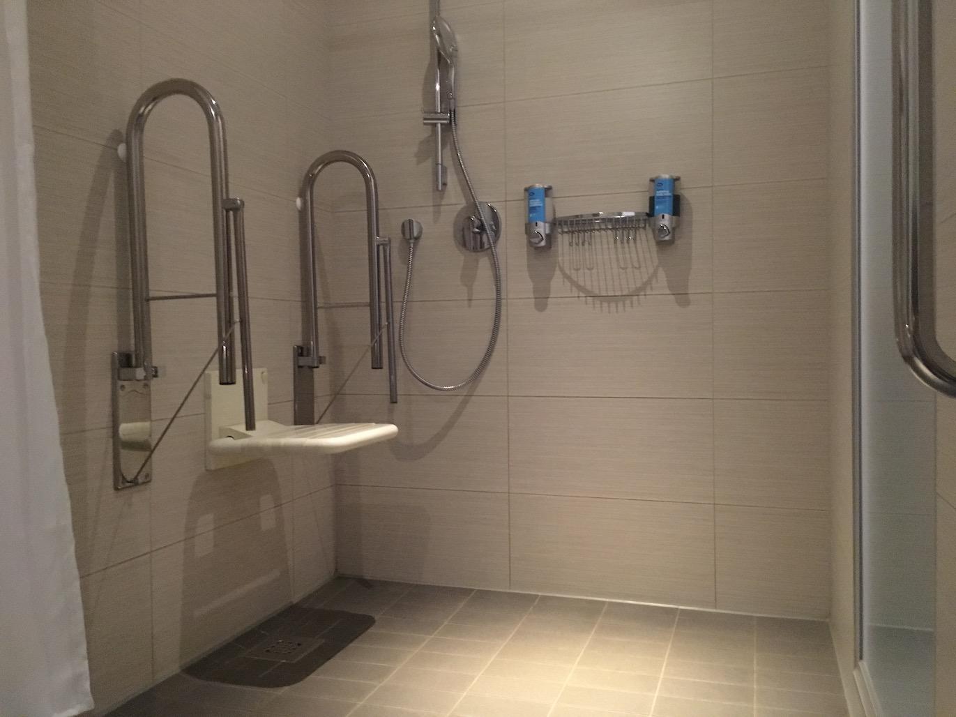 Roll-in shower Aloft Schuman Brussels | Little Miss Turtle | Accessible Travel Blog