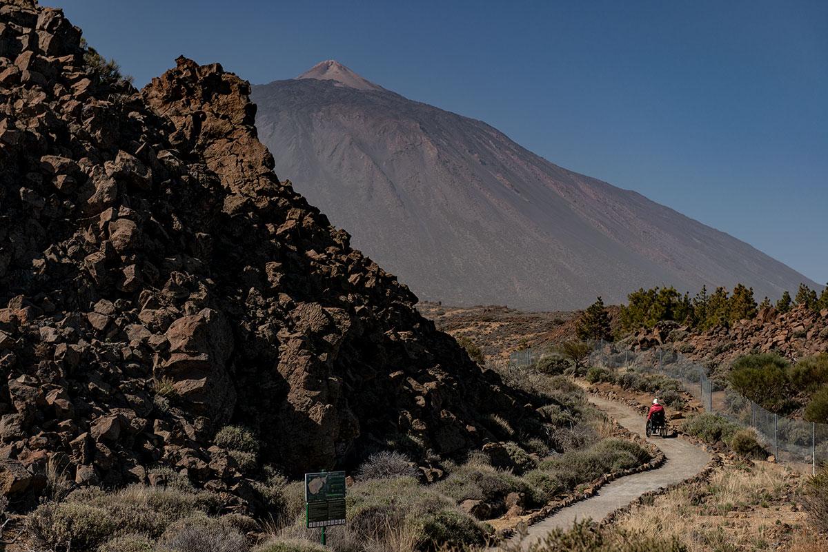 Accessible trail El Portillo Visitor Center