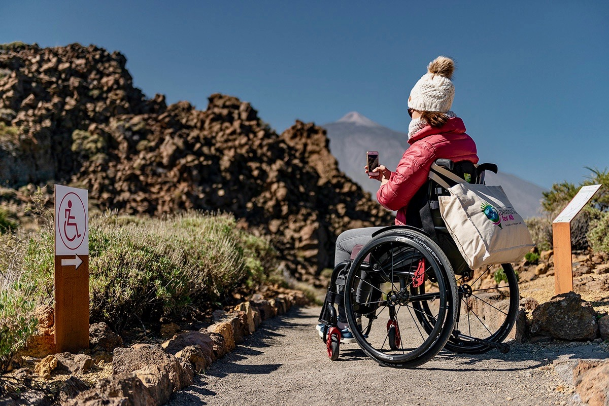 Wheelchair-accessible path to Mount Teide lookout