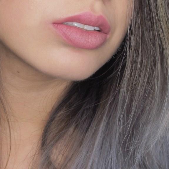 Kat Von D Studded Kiss Lipstick in Lovecraft lipswatch