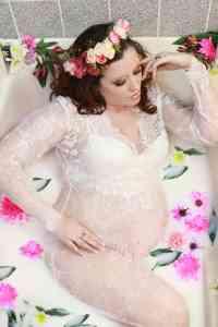 Maine maternity, Milk bath maternity