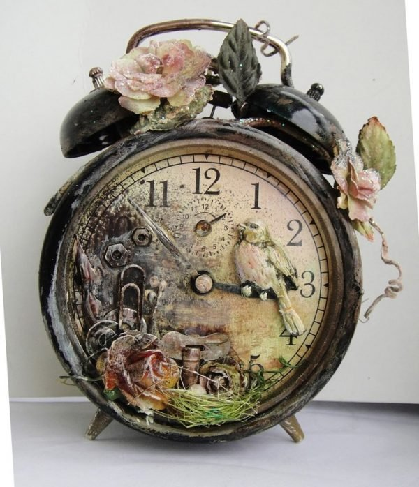 Old Fashioned Alarm Clocks For Cozy Home Decor Little