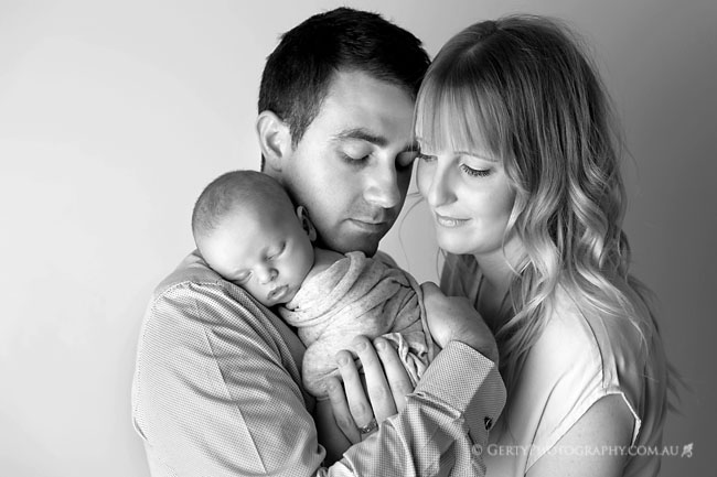 beautiful newborn family photos brisbane