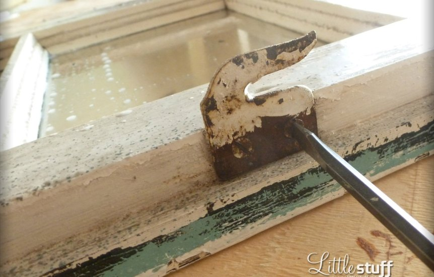 DIY Window Frame Key Hanger & Message Board