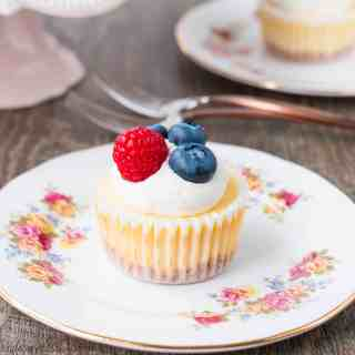 How To Make Mini Cheesecakes (video)
