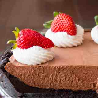 No-Bake Chocolate Cream Pie (video)