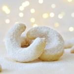 Vanillekipferl - Vanilla Almond Christmas Cookies