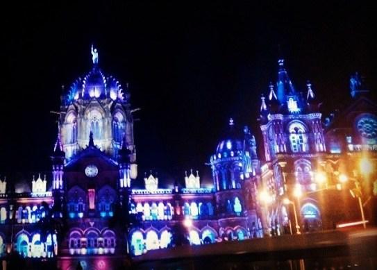 Mumbai Traveling Curiously