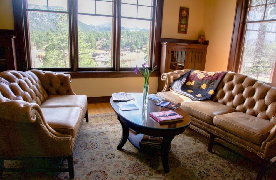 Golden Leaf Inn Charming Living Room Estes Park