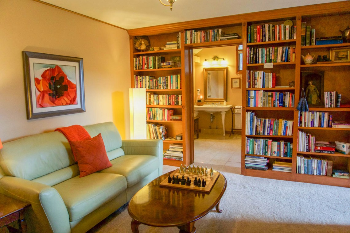 Mountain Retreat Library