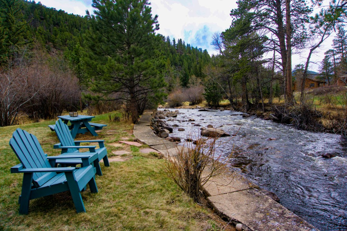 Tranquil River - Estes Park Bed and Breakfast
