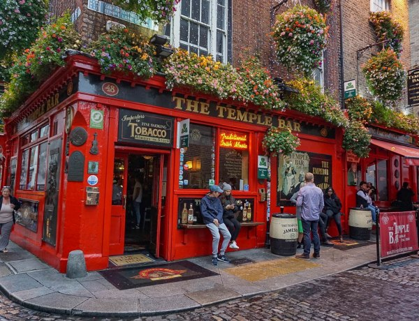 Temple Bar Dublin - Ireland Itinerary