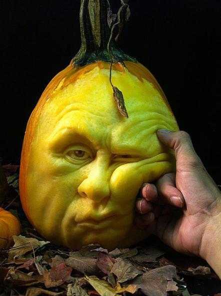 halloween-pumpkin-carvings-by-villafane-studios-5