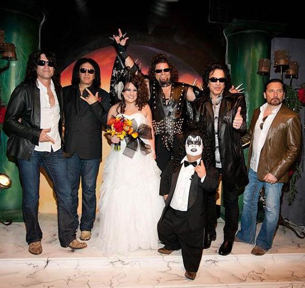 Wedding Gown Rental Las Vegas: Ultimate Vegas Wedding Venue Guide: KISS Love It Loud