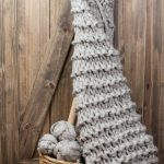 How To Make A Chunky Knit Blanket After You Fail At Arm Knitting