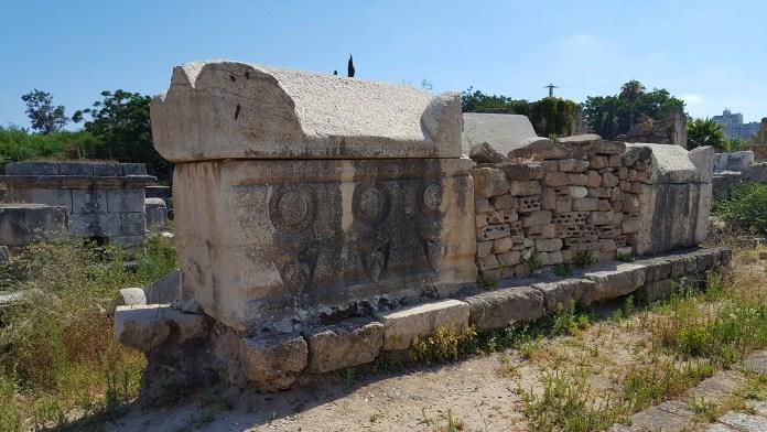 Развалины Тира. Ливан