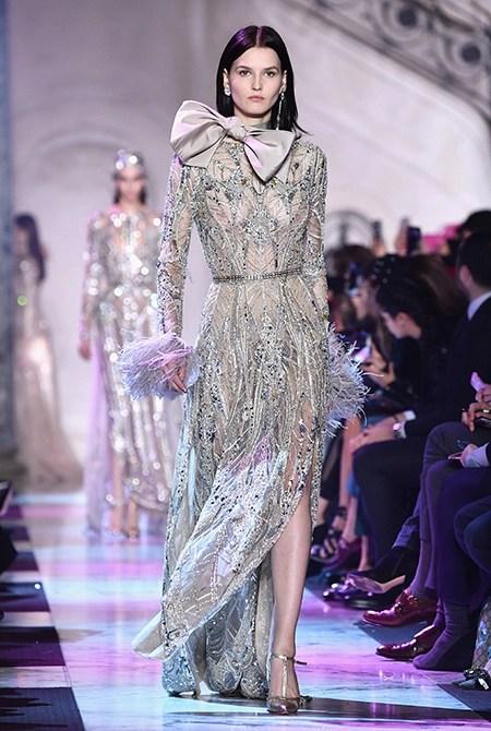 Неделя высокой моды в Париже: показ весенне-летней коллекции Эли Сааб