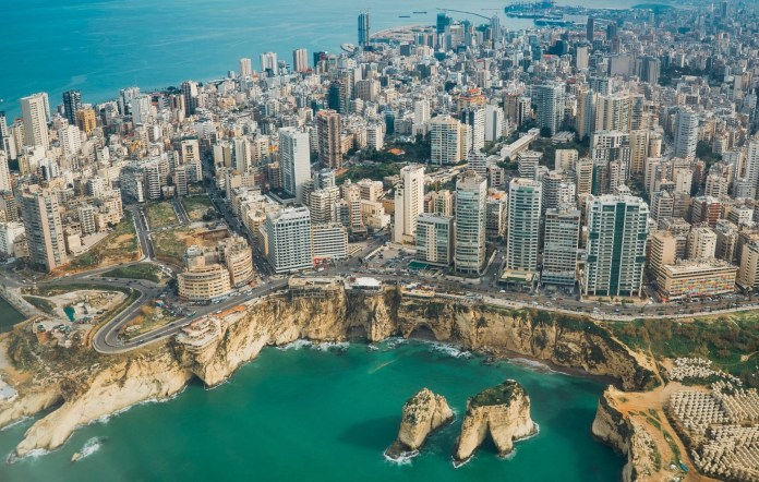 Ливан объявляет о поэтапном плане открытия страны со следующей недели.