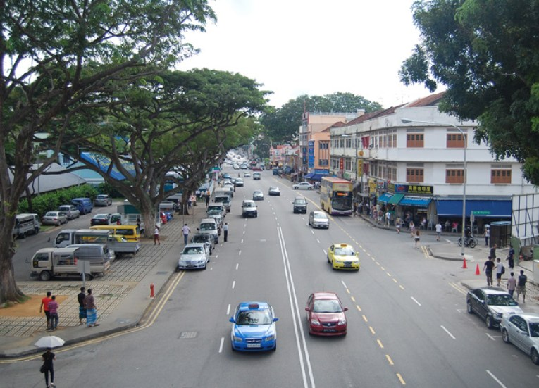 Main Road Geylang Area, Where to Stay in Singapore on a Budget