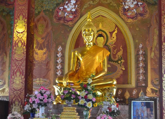 Central Buddha at Wat Tri Thotsathep Worawihan, Bangkok Southeast Asia