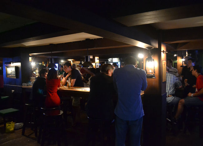 Boozing Downstairs, Dubliner Irish Bar in Bangkok Sukhumvit
