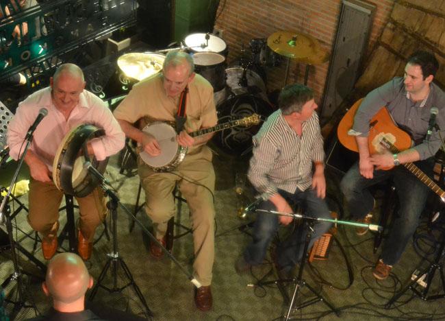 Irish Band Playing the Dubliner Irish Bar in Bangkok Sukhumvit
