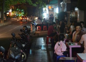Local Isaan Barbecues, Living cheap in Bangkok Thailand