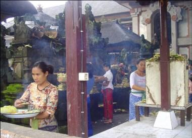 Locals, Ubud Cenral Market Temple, Ubud Bali, Indonesia Southeast Asia