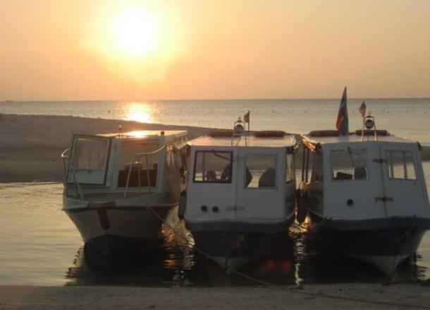 Boats Sunset Selingan Turtle island, Borneo Eco-Tourism Sabah Malaysia