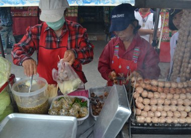 Isaan Sausage, Top Bangkok Street Food, Thailand Cheap Eats
