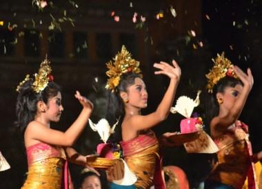 Legong Dance, Cafe Lotus, Best Restaurants in Ubud Centre, Bali Food