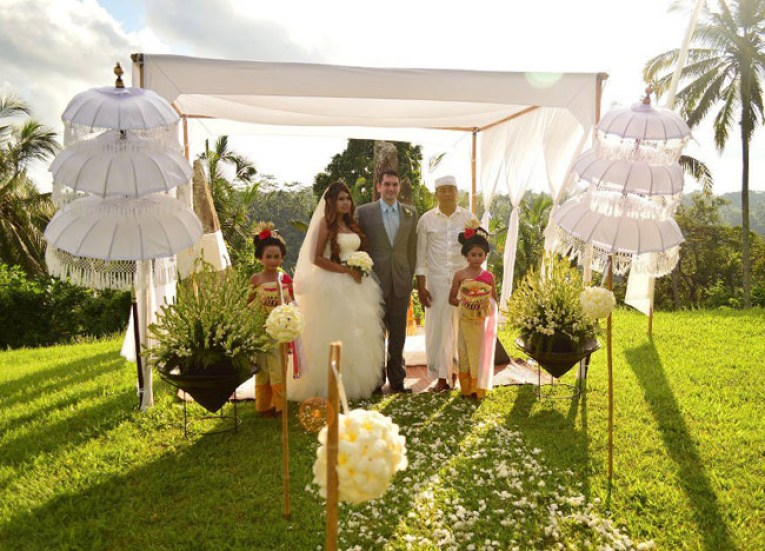 White Satin Altar, Wedding at Alila Ubud, Married in Bali Indonesia