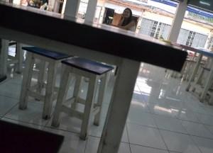 Under Table, Life Through the Lens of a 4 Year Old Thai Kid, Bangkok