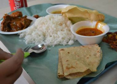 Little India Food, Where to Stay in Singapore on a Budget