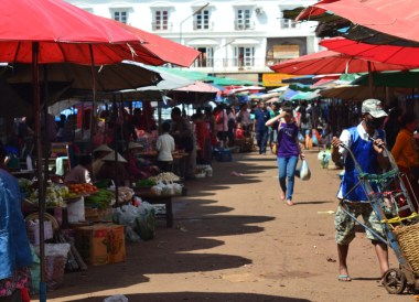 Morning at Dan Heuang Market, Things to do in Pakse City Southern Laos