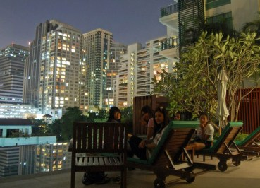 Infinity Swimming Pool, Bangkok Condominiums, Living in Bangkok Condos