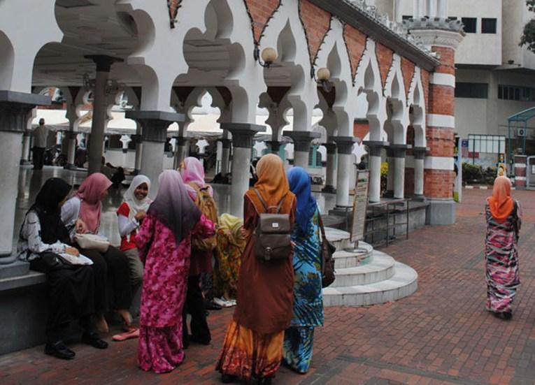Masjid Jamek Mosque, best tourist areas in kuala lumpur