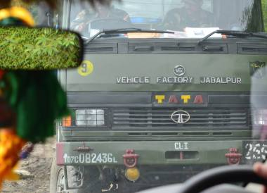 Gangtok to Changu Lake in Low Season, Lorries in the Himalayas