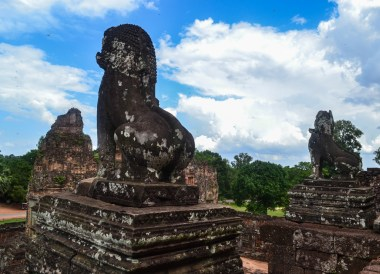 Lion Guards at Pre Rub, Introduction to Angkor Wat Two Day Tours