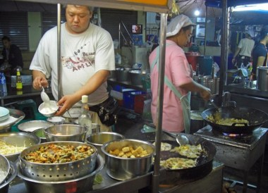 Oyster Omelette, Top Bangkok Street Food, Thailand Cheap Eats