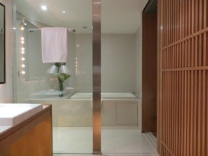 Bathrooms at Maduzi Hotel Bangkok Review Asoke