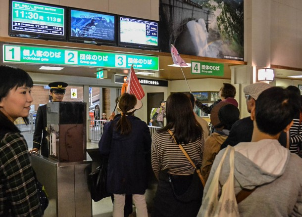 Queue to Cablecar, Alpine Route by JR Pass Japan
