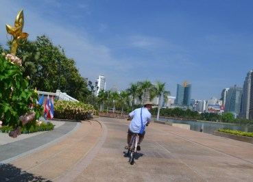 Benjakiti Park, Best Places for Cycling in Bangkok Safely (Thailand)