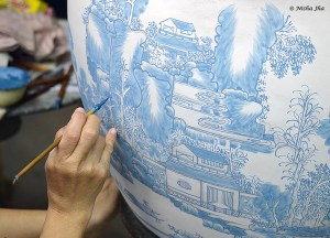 Dragon jar painting, Day Tours and day trips from Bangkok Thailand.