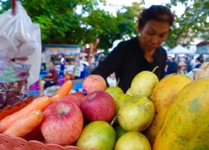 Fresh Fruit Shakes, Thai Street Food Backpackers Favourite Snacks in Thailand