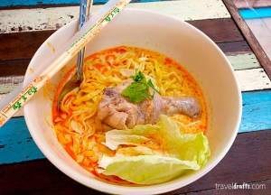 khao-soi noodle soup, Best Asian Street Food Eating Cheap in Asia