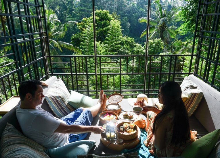 HOSHINOYA Bali Air Gazebo Breakfast with Luxury Pool Villas at the Ubud Resort