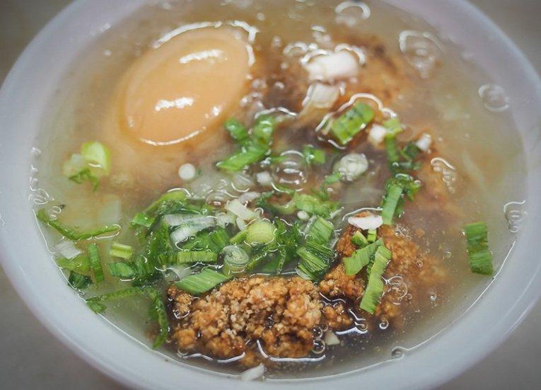 16-spanish-mackerel-stew-Regional-Street-Food-in-Taiwan