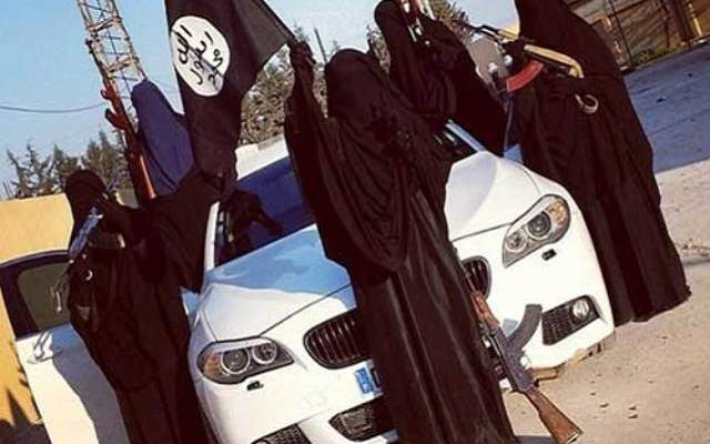 LLL - Live and Let Live - ISIS evacuates the 'Women of Caliphate' from the city of Mosul